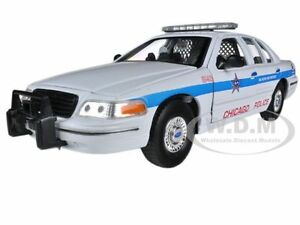 1999 ford crown victoria chicago police 1 24 diecast model car by welly 22082cg ebay. Black Bedroom Furniture Sets. Home Design Ideas