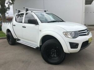 2014 Mitsubishi Triton MN MY15 GLX Utility Double Cab 4dr Spts Auto 4sp 972kg 2.5DT White Oxley Park Penrith Area Preview