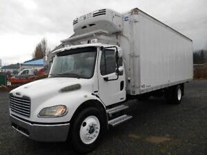 2005 Freightliner Reefer Van 24 Foot Box B264-1
