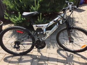Super Cycle - Thrill DS - 21 Speed Mountain Bike