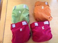 4 Washable nappies - Gnappies - medium - good condition