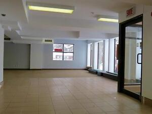 6042 Cote St. Luc Commercial Space for Rent - 1500 SQ.FT.