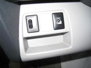 2011 Toyota RAV4 BASE AWD V6 Saguenay Saguenay-Lac-Saint-Jean image 10