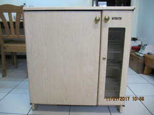 Classic Servibar Model 9412-532 Hotel Bar Fridge Circa 1970-80s
