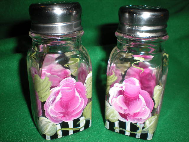 HAND PAINTED SALT AND PEPPER SHAKERS IN PINK CABBAGE ROSE WITH BLACK AND WHITE
