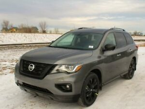 2018 Nissan Pathfinder MIDNIGHT: Dual Panel Panoramic Moonroof,