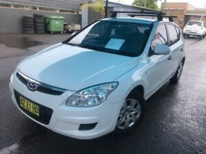 2010 Hyundai i30 FD MY10 SX White 5 Speed Manual Hatchback Unanderra Wollongong Area Preview