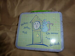 HICKORY DICKORY DOCK LUNCH BOX
