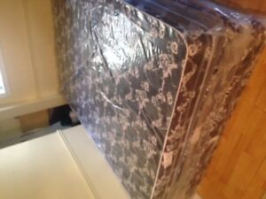 BRAND NEW MATTRESSES ! SEALED BAG !! NEVERRRR USED !!! DELIVERY!