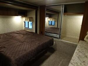 Couples 3-slide Travel Trailer with Rear Living Room Kitchener / Waterloo Kitchener Area image 15