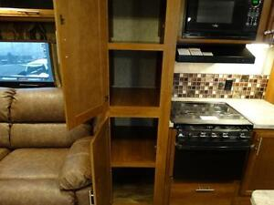 Couples 3-slide Travel Trailer with Rear Living Room Kitchener / Waterloo Kitchener Area image 12