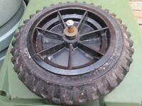 Wheelbarrow solid heavy duty wheel