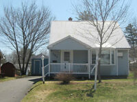 REDUCED! Charming home -  great condition & excellent location!