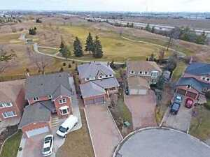 AMAZING 4+1Bedroom Detached House @BRAMPTON $899,900 ONLY