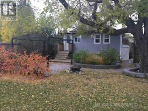 136 5TH STREET Out of Board (AB), Alberta