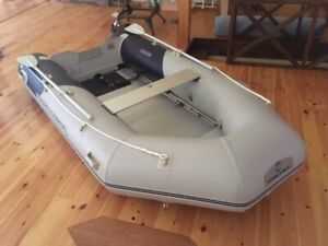 BOAT FOR SALE INFLATABLE