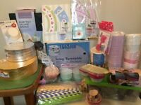 Baking equipment and decorations: Includes turntable, cases, nozzles, moulds and more