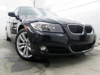 2011 BMW 323i LUXURY NOIR SUR NOIR CUIR TOIT 59,000KM