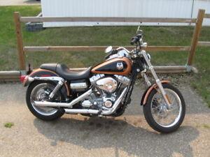 2008 Harley Davidson, Dyna (105 anniversary)