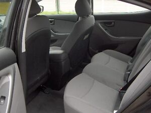 2014 Hyundai Elantra GL Sedan Price Drop To sell !! London Ontario image 9