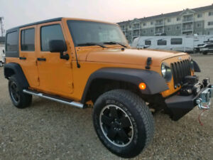 2012 Jeep Wrangler Automatic Fully Loaded - like New! 95,000 km