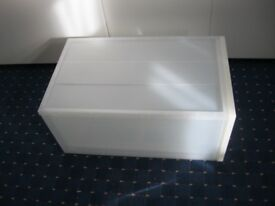 Pull-out plastic storage unit
