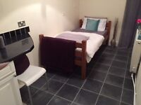 Double Room (AVAILABLE NOW). Luxury. Old Town Bexhill.