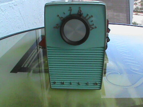 1960 Philco5 Transistor Radio Model  T50 with Leather Case for Parts or Repair