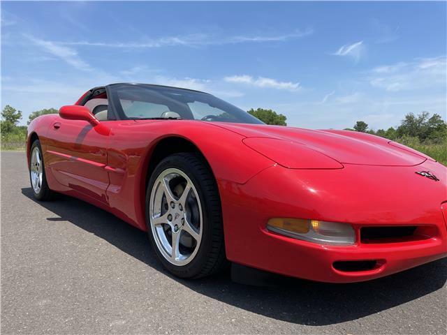 2000 Red Chevrolet Corvette Coupe  | C5 Corvette Photo 6