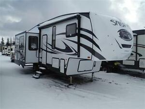 2017 Sabre 27RLT Luxury Triple Slide 5th Wheel Trailer