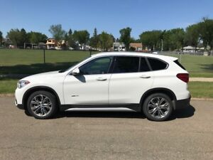 2017 BMW X1 xDrive28i LOW KMS, MINT