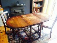 Wooden Dinning Room Table (with collapsible sides)