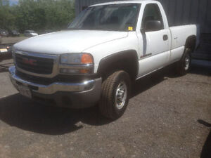 2006 GMC Sierra 2500 HD Pickup Truck 6000 OBO Priced to sell