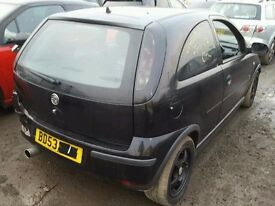 vauxhall corsa c 1.2 sxi black breaking for spare parts