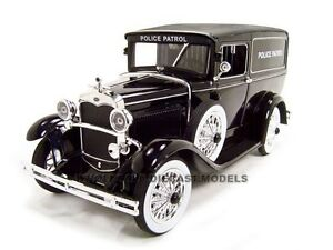 1931 FORD POLICE PANEL WAGON 1/18 DIECAST CAR MODEL BY SIGNATURE MODELS 18143
