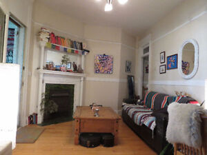 Beautiful Furnished Centretown Apt. Oct. Short or Long Sub