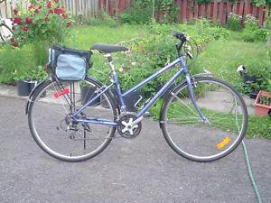 """velo femme hybride 700c (28"""") women AVP """"Voyageur"""" bike"""