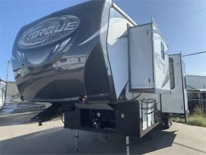 JUST ARRIVED! 2015 TORQUE 325 Toy Hauler