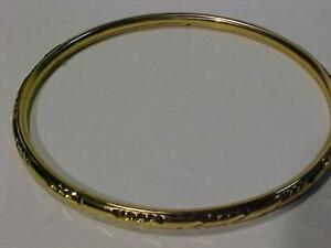 "22k yellow gold BANGLE 2 3/4"" (outside diameter)weighs 11.3 grams-Estate piece Made in India-FREE s/h in Canada only"