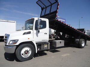 2016 HINO 338 with Construction deck - TH21513