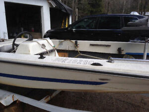 Starcraft VB 150 Bass Boat, Motor with trailer
