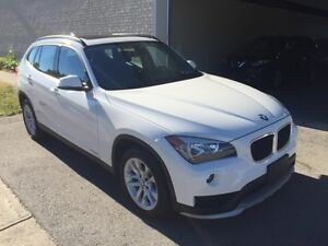 2015 BMW X1 2.8I TOIT PANORAMIC-TWIN TURBO-CONDITION SHOWROOM!