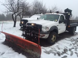 WESTERN 9 FT PRO SNOW PLOW AND SNOW EX TAILGATE SALTER
