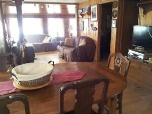 Ahmic Lake 2 Bedroom Cottage
