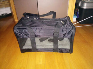 Sherpa large soft sided cat/dog carrier