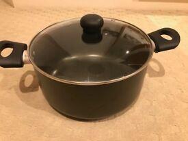 Large casserole (gas, electric, ceramic hob) d:26cm