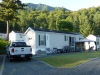 Luxury Recreation Trailer at Lindell Beach Holiday Park Cultus L