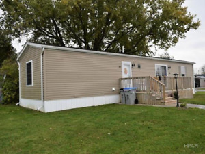 Immaculate manufactured home!