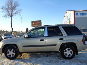 2005 Chevrolet Trailblazer LS SPORT-4X4-DVD-HDTV--DRIVES AMAZING