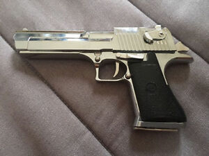 Collectable model ( IMI Desert Eagle) Kitchener / Waterloo Kitchener Area image 8